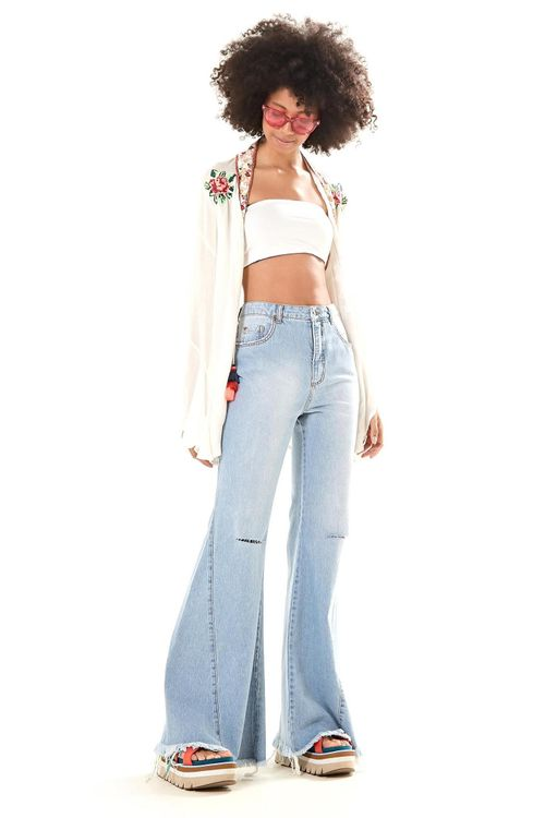266938_0142_1-CALCA-JEANS-FLARE-RASGO-JOELHO